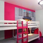Вы не останетесь равнодушным к дизайну комнат хостела Достоевский, ведь такого дизайна вы не встретите больше ни в одном хостеле или гостинице Ижевска.