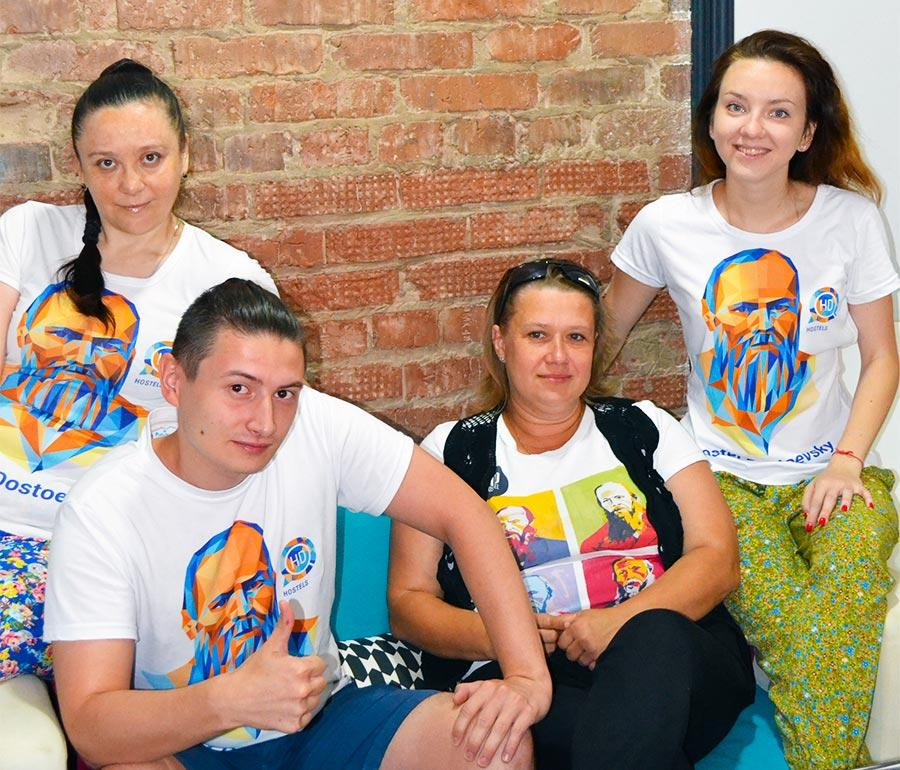 Команда хостела Достоевский в Ижевске делает его посещение для вас максимально комфортным, вежливо и быстро отвечая на любые просьбы.